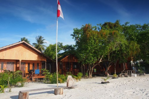 Borneo Cottage Maratua located on a beautiful stretch of beach front.