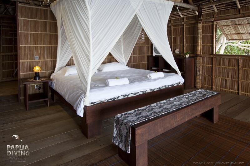 Deluxe Cottage bedroom.