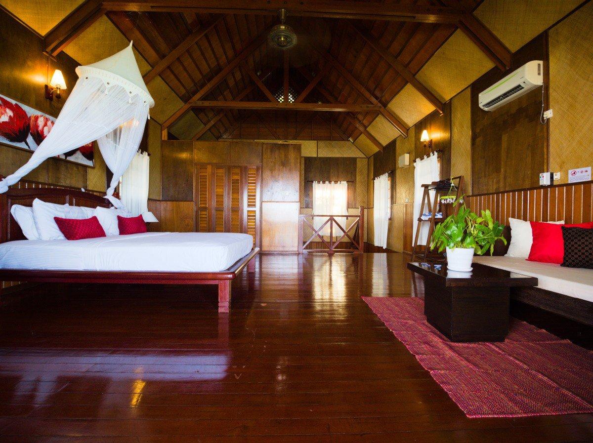 Design D Beach Chalet master bedroom settee.