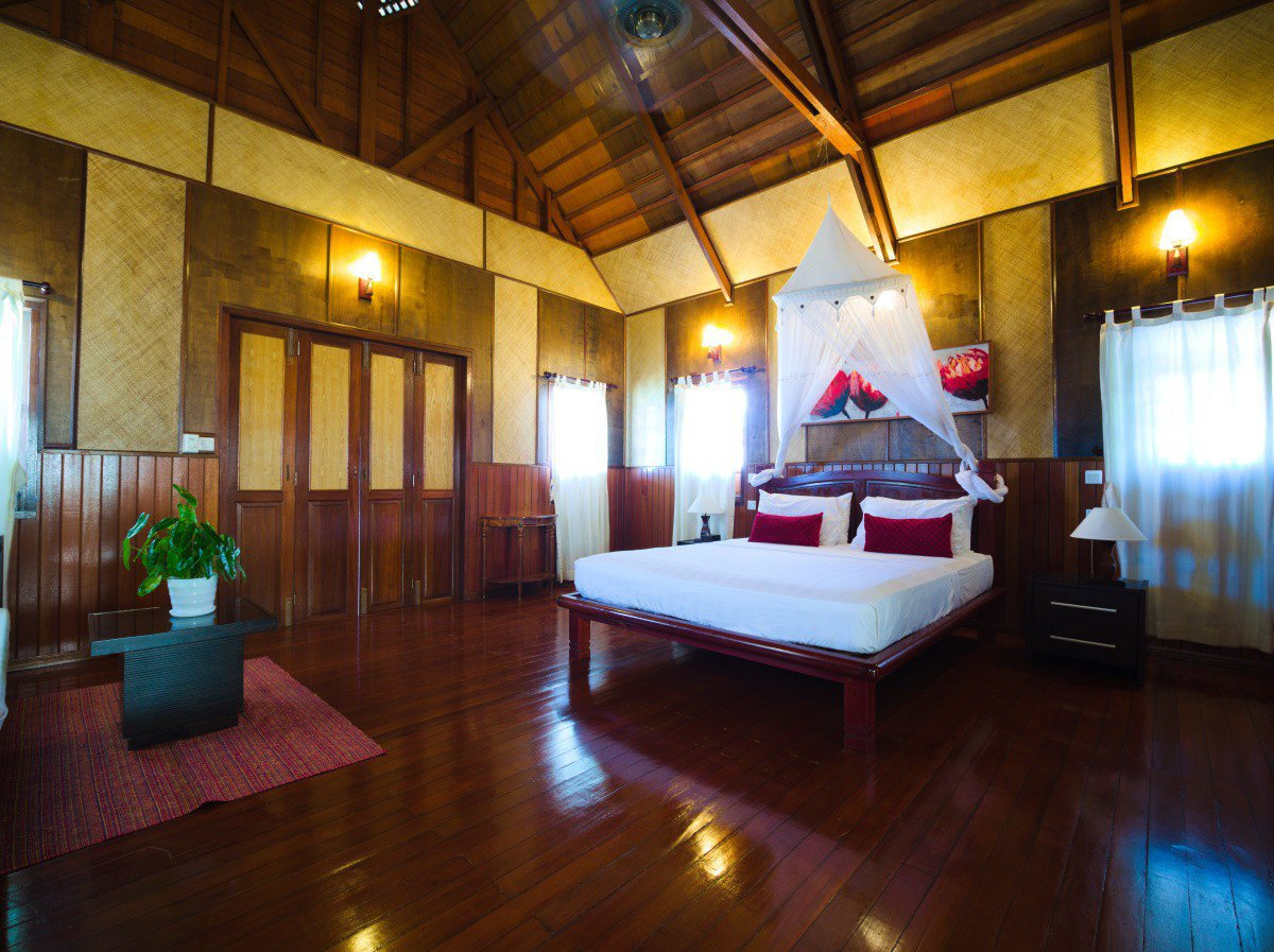 Design D Beach Chalet can accommodate up to 5 persons.