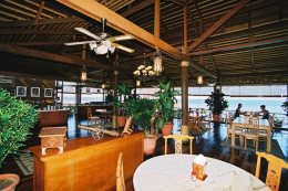 Dining hall for your meals, snacks and drinks in between dives.