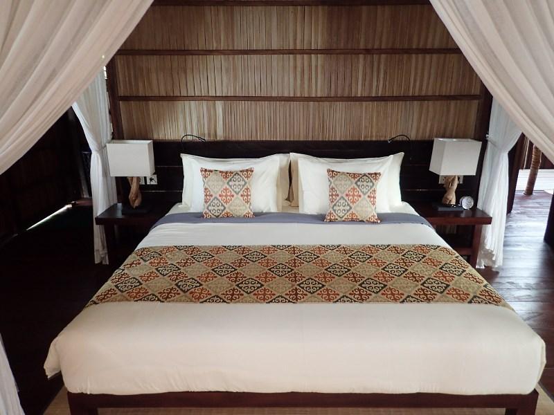 Deluxe Room bedroom.