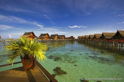 Sipadan island diving notable sites dive resorts liveaboards - Kapalai sipadan dive resort ...