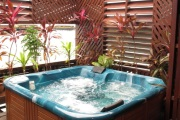 Grand Deluxe Cottage private outdoor Jacuzzi