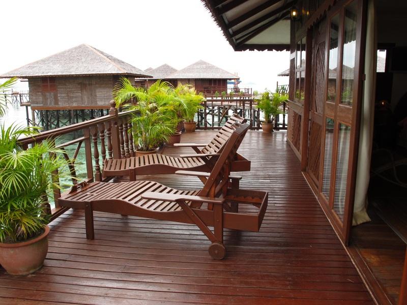 Deluxe Cottage balcony.